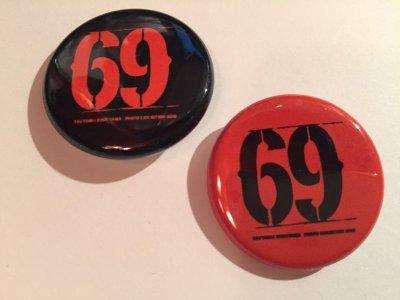 画像1: FELEM -69- 缶バッジ 2個セット color:[black & red]